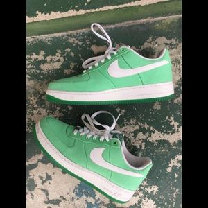Nike Air Force 1 Low Canvas Lucky Green MENS 8.5